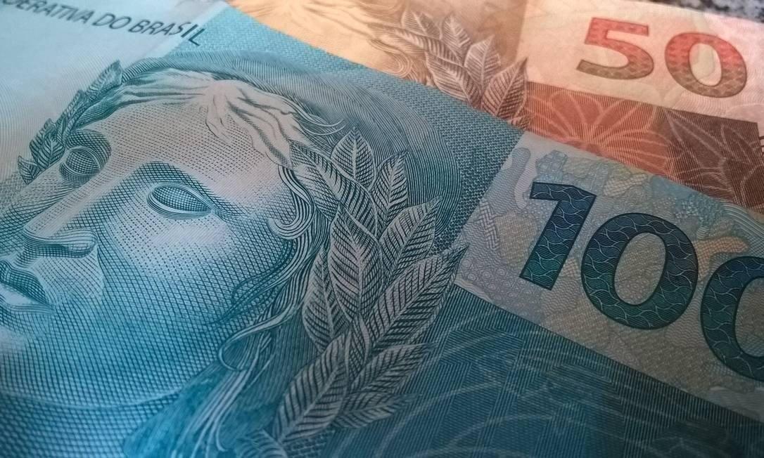 governo estuda diminuir carreiras do funcionalismo federal