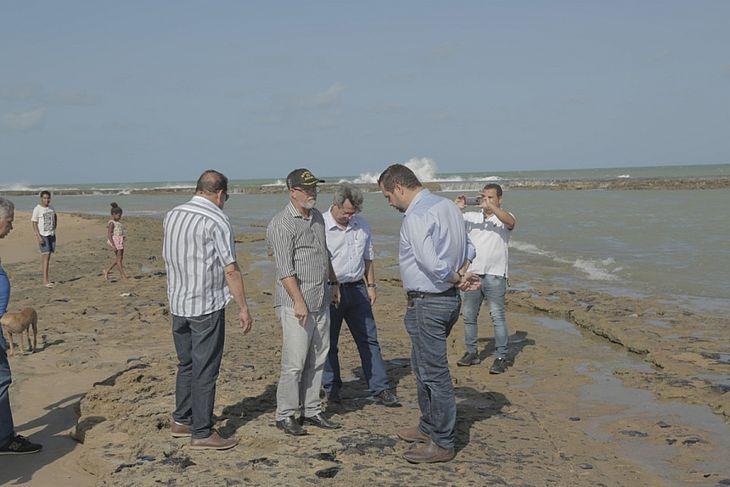 praias alagoanas recebem visita técnica sobre manchas de óleo