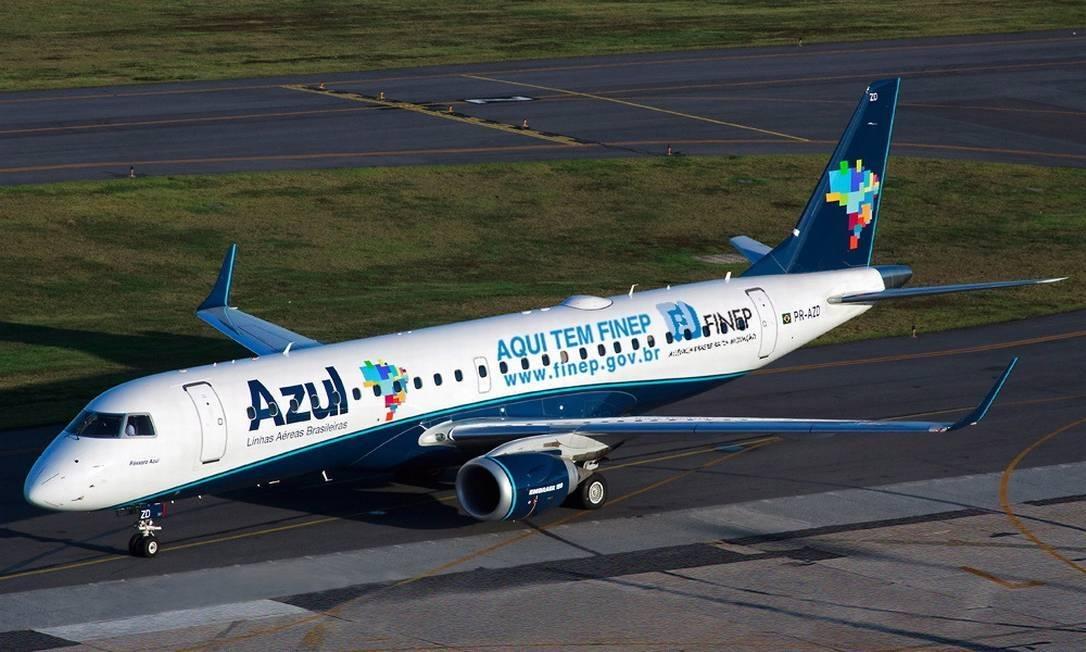 linhas aéreas azul tem prejuízo R$ 2,3 bilhões no 4º trimestre