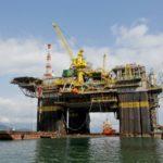pandemia de covid-19 prejudica produção petrolífera em maio