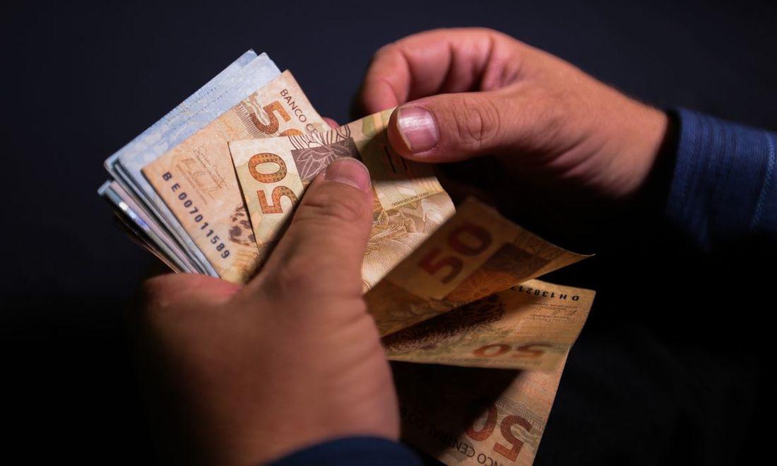 final de 2020 deixa grande parte dos brasileiros com dívidas