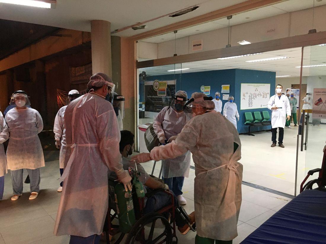 pacientes de manaus iniciam tratamento de covid-19 no hc de pernambuco