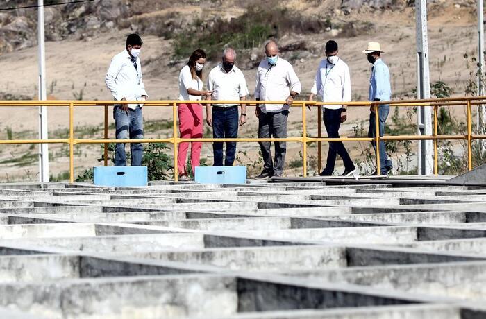 abastecimento de água no agreste pernambucano - compesa amplia serviço