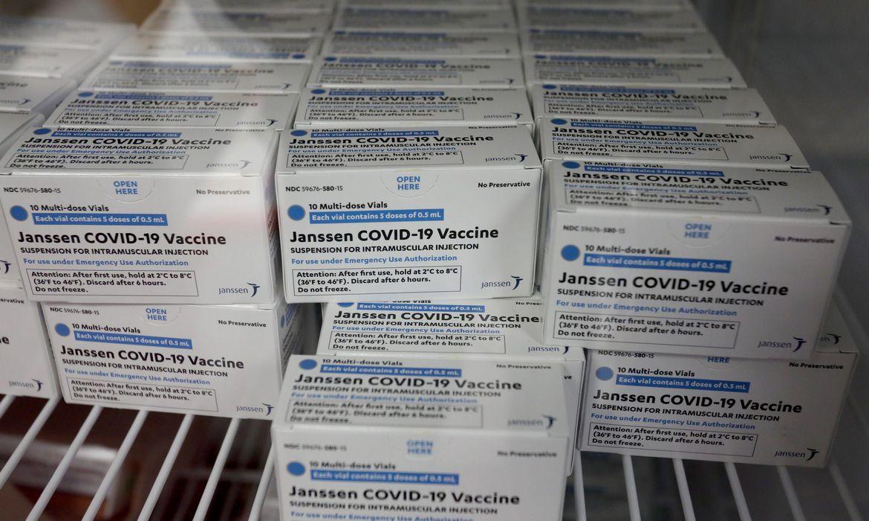 anvisa certifica vacinas janssen e sputnik v