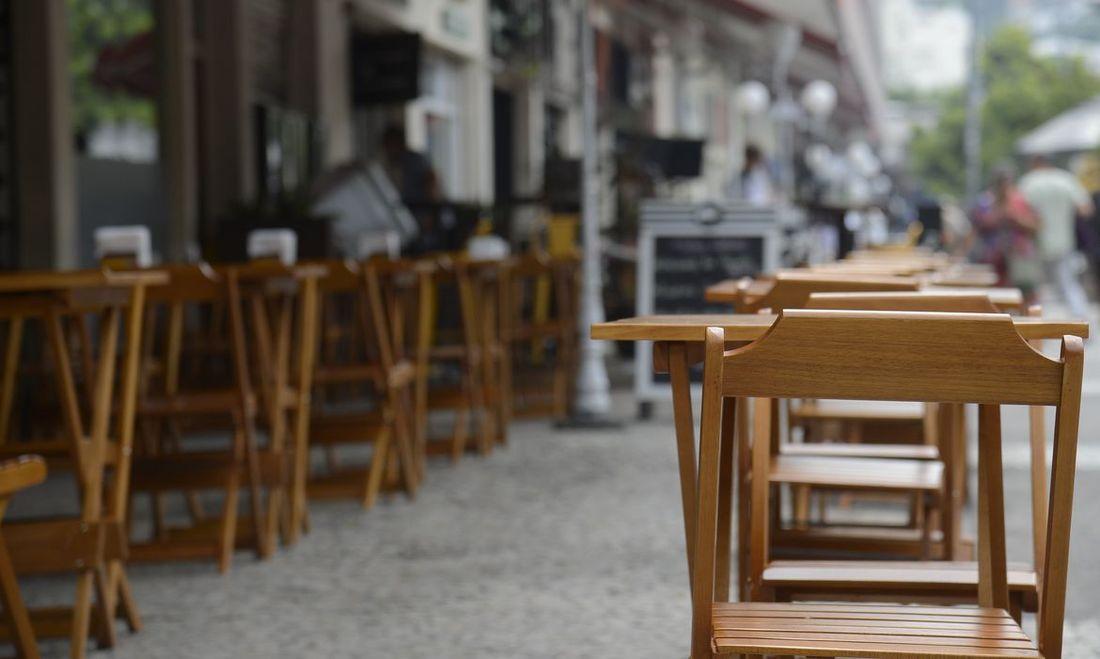 pernambuco permite abertura de bares e restaurantes aos finais de semana