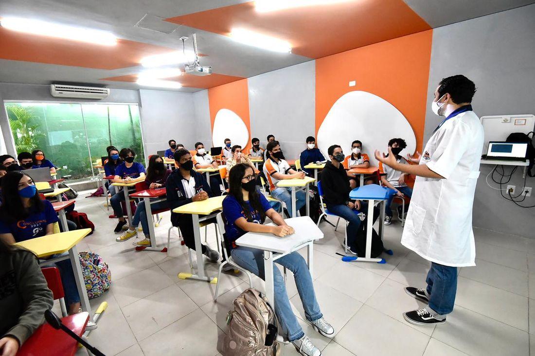 escolas-particulares-de-pernambuco-podem-voltar-com-100%-da-capacidade